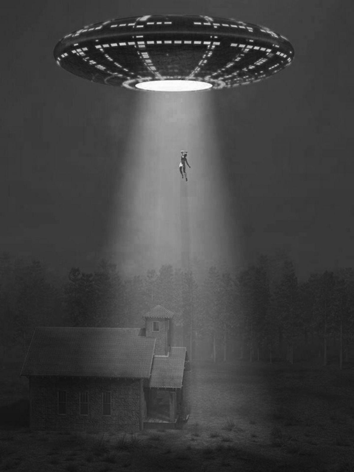 Нападение пришельцев на ферму Саттонов