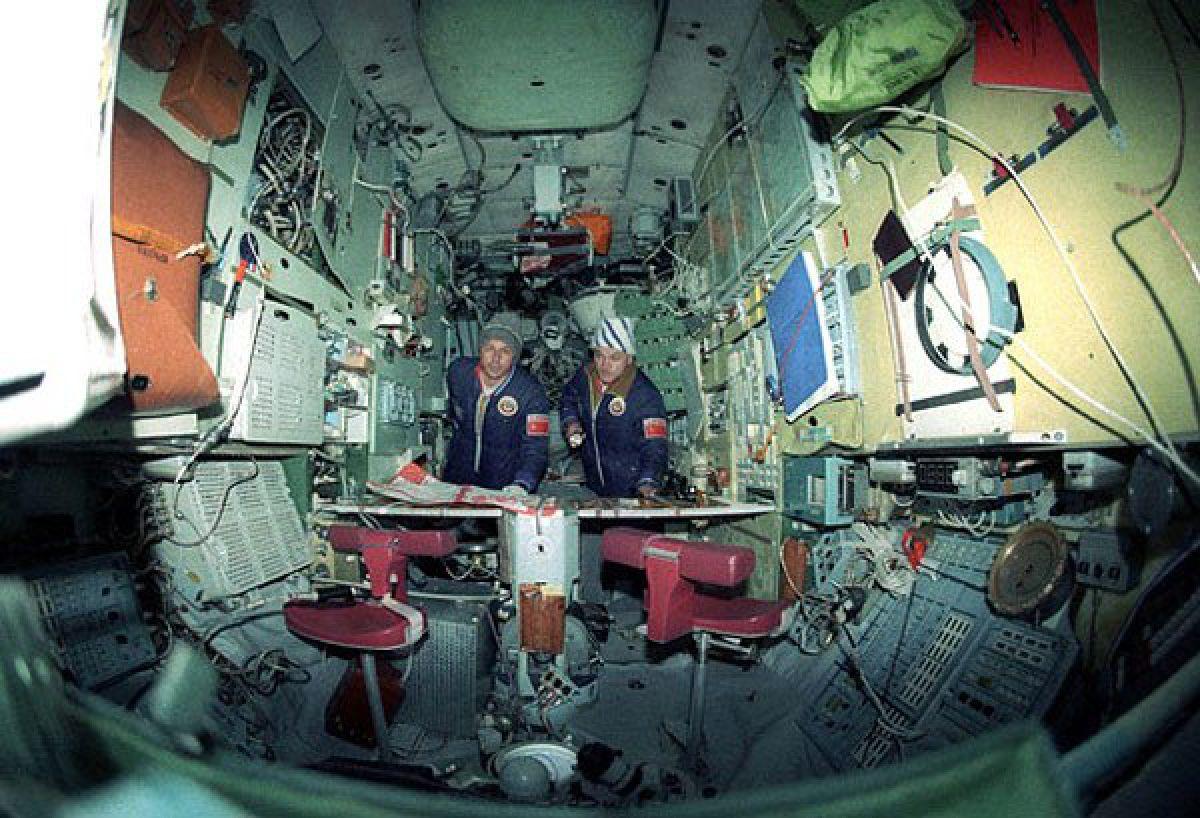 Необъяснимые сюрпризы космоса, с которыми столкнулись астронавты и космонавты
