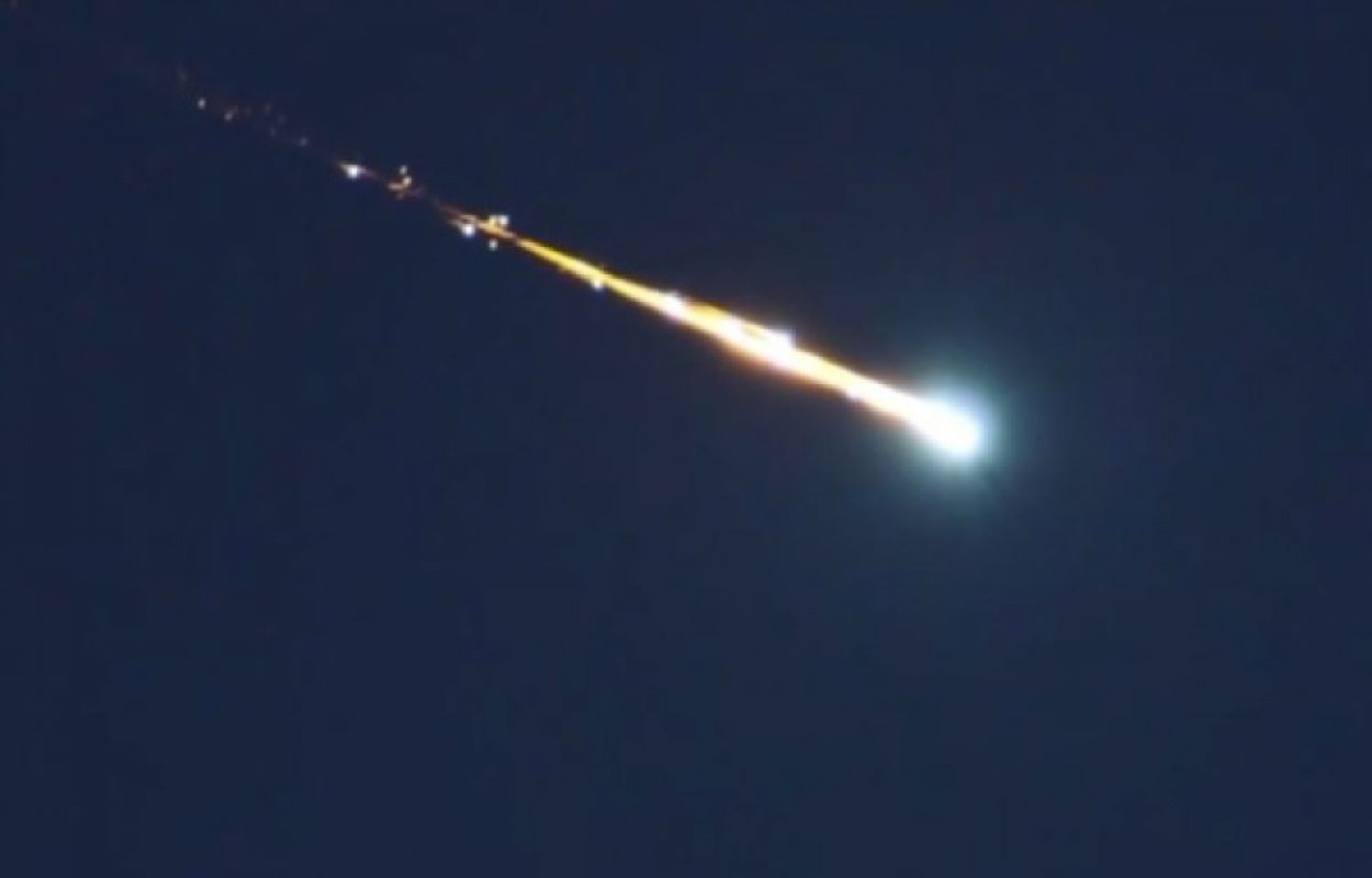 Пользователи «Twitter» утверждают, что на Землю упал крупный метеорит