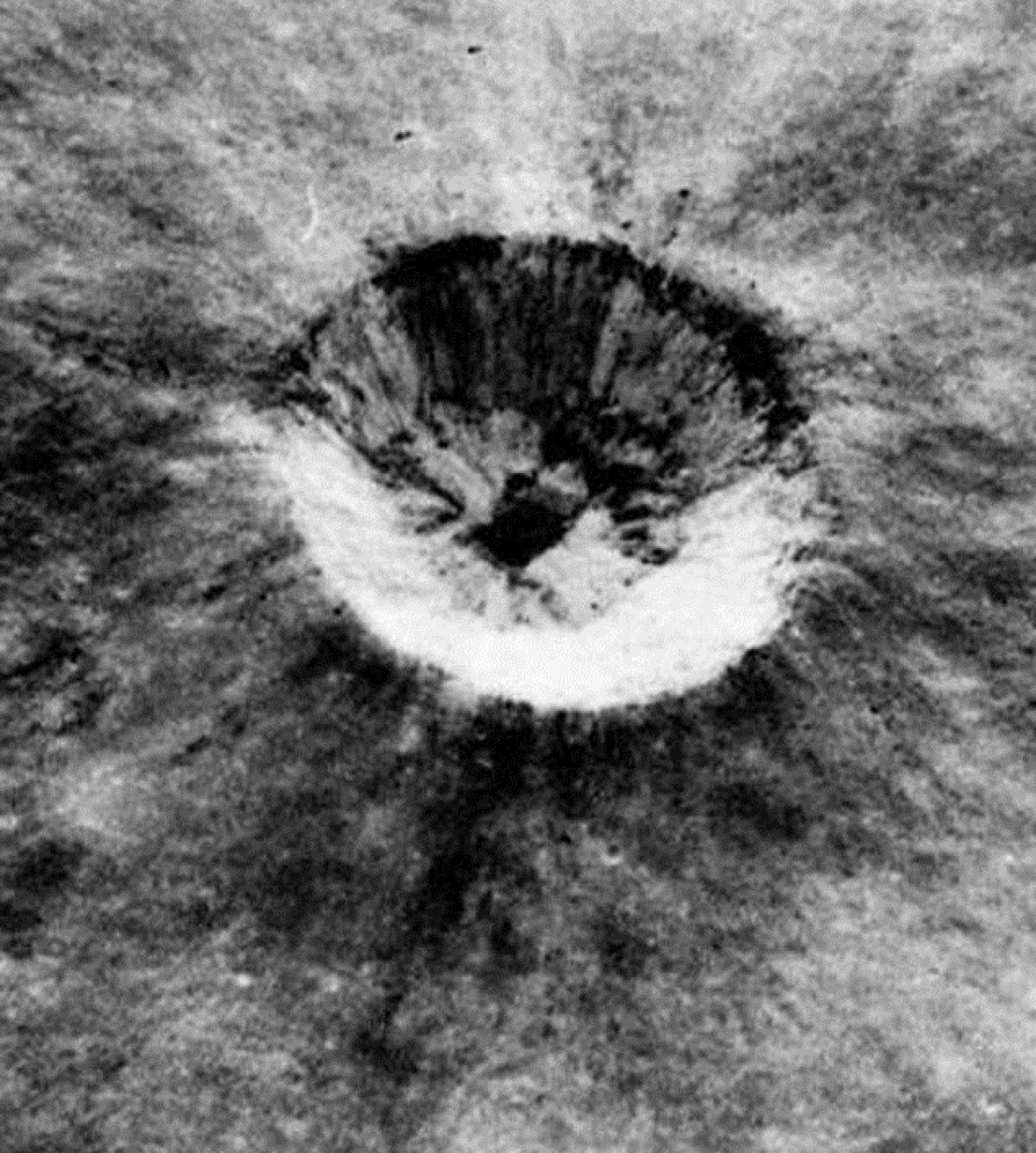 Шахта пришельцев на Луне – фотографии экипажа «Аполлона10»