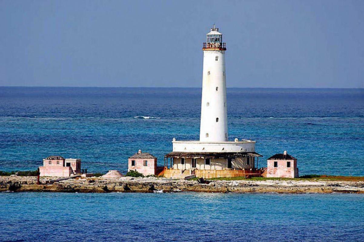 Почему людей пугают маяки - морские путеводители
