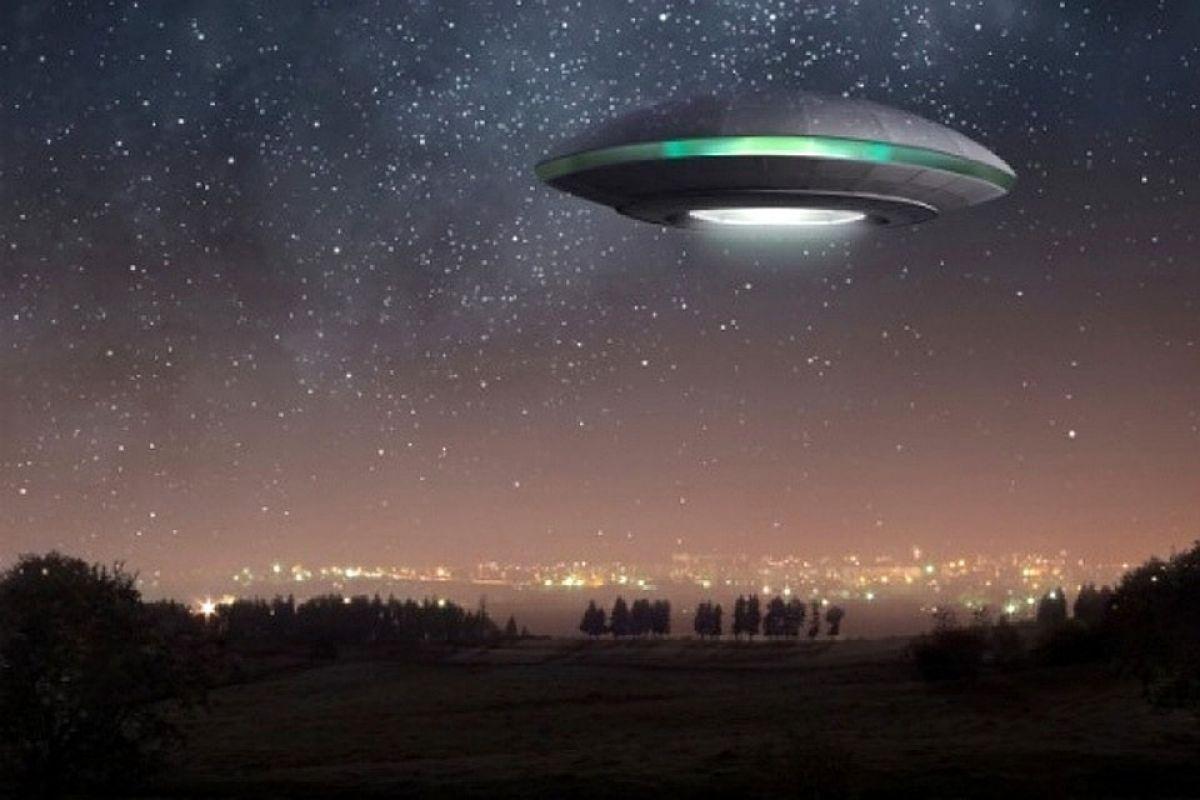 Конспирологи оцепенели от внезапной смерти двух экспертов по НЛО, разоблачавших тайны Пентагона вплоть до 2018 года