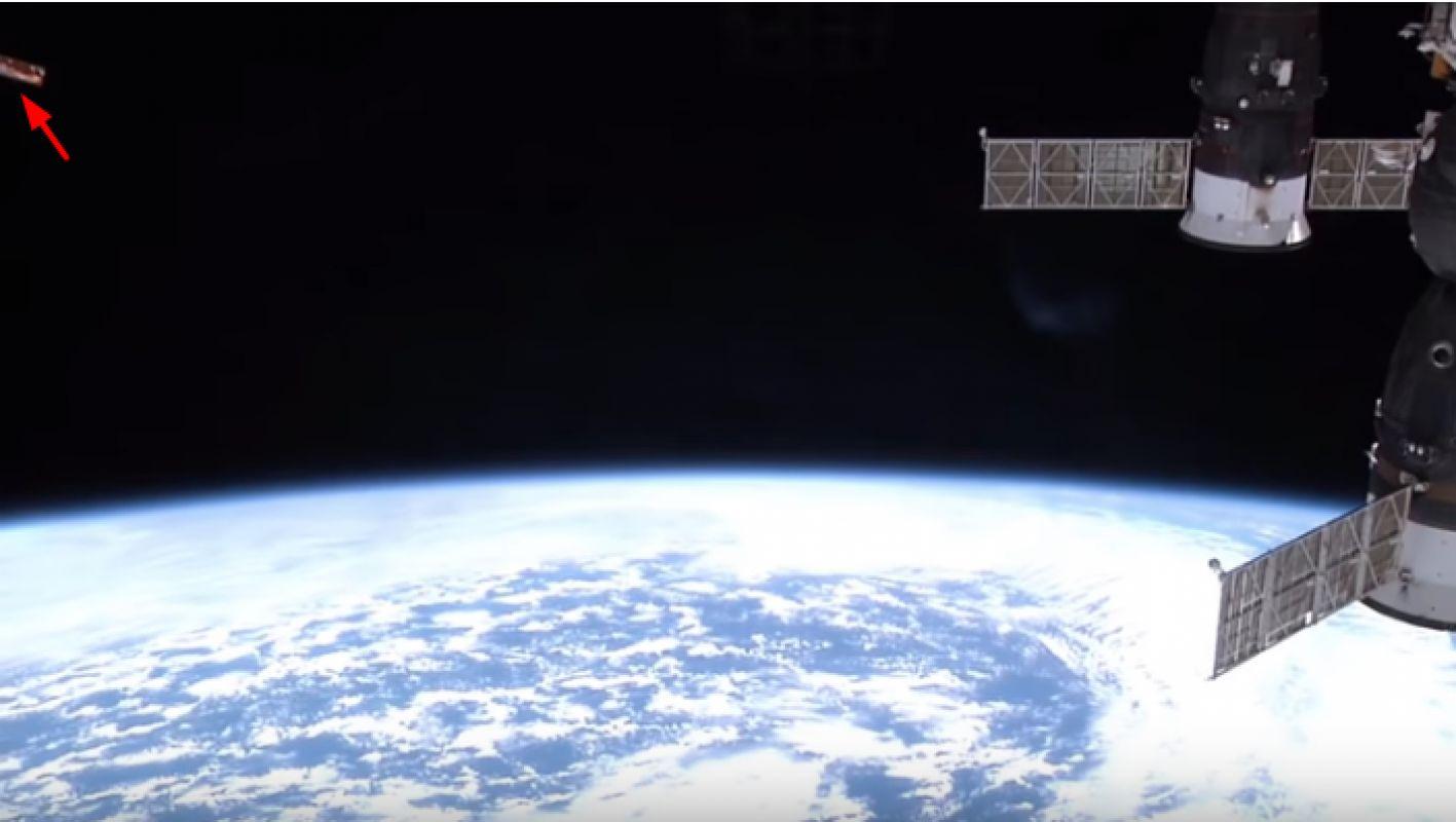 Шокирующее видео НЛО, подлетевшего к МКС на очень близкое расстояние, взволновало мир