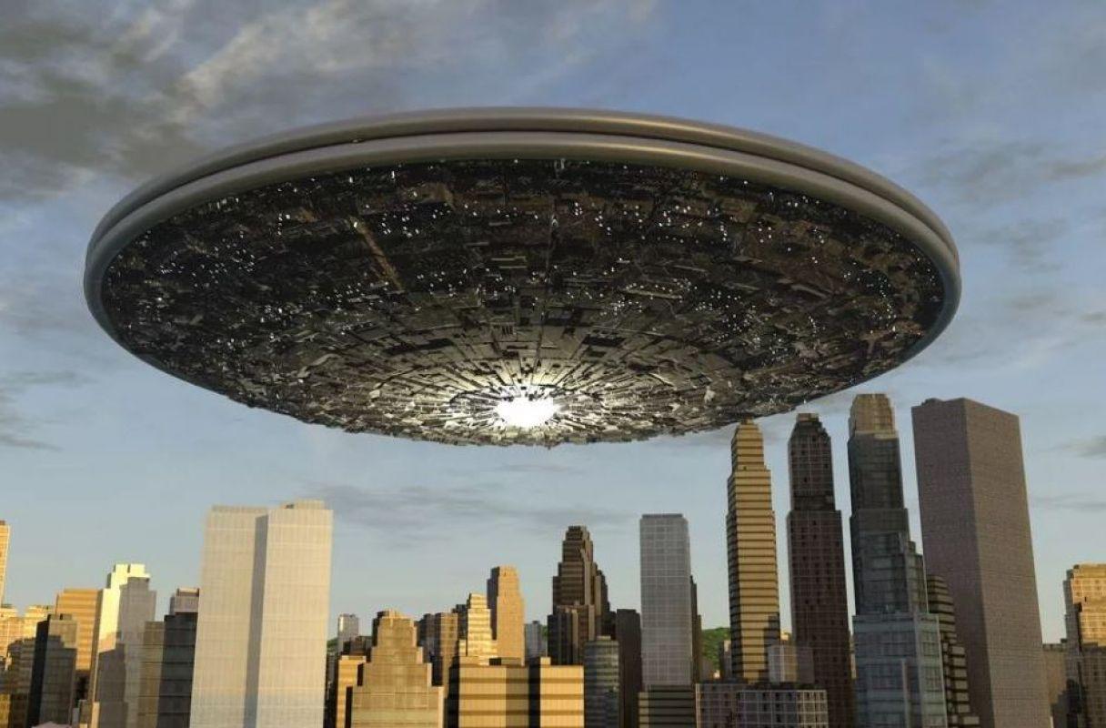В США аномалия в небе повергла в шок толпы людей