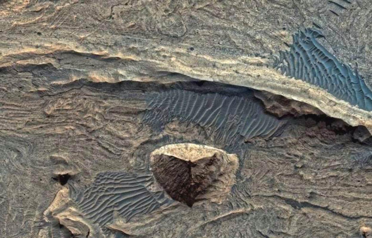 Найденная на Марсе пирамида, шокировавшая общественность, ввела в ступор исследователей