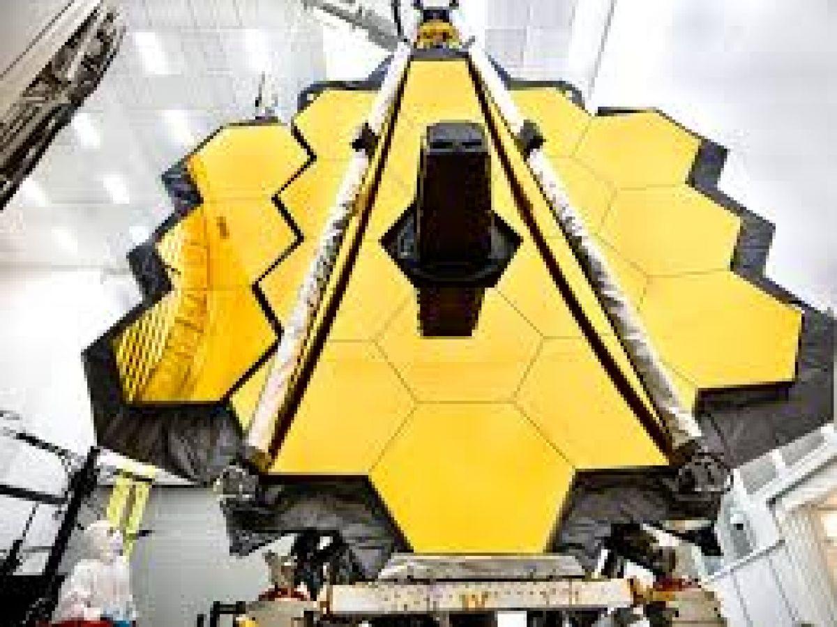 Главная камера телескопа Hubble вышла из строя