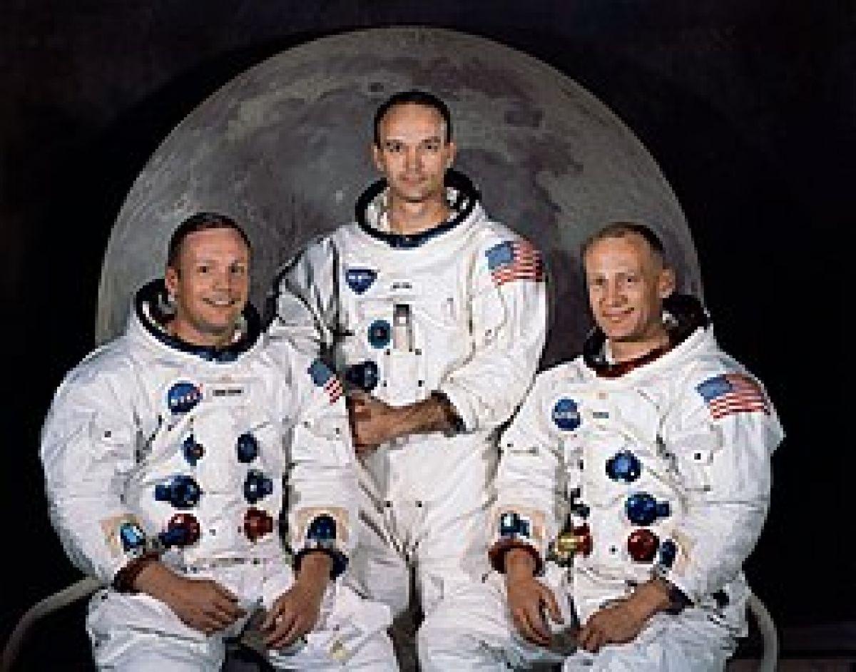 Майкл Пенс: США вернутся на Луну в ближайшие пять лет
