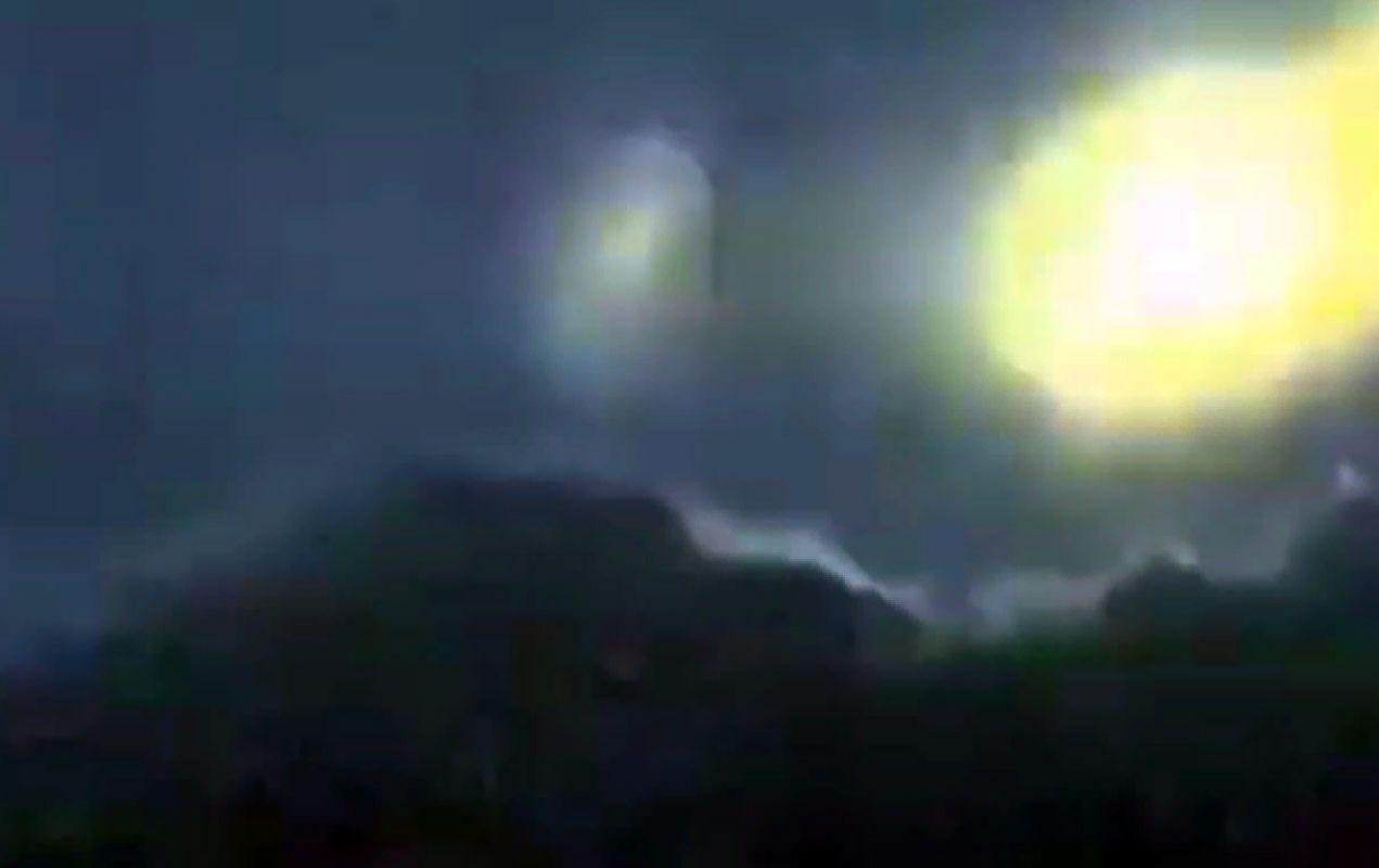 Уфолог показал невероятные фотографии с залетевшими в японский вулкан НЛО и объяснил, почему он уверен, что это именно пришельцы