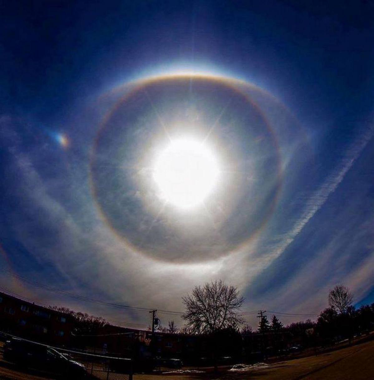 В Канаде сфотографировали «глаз Бога»