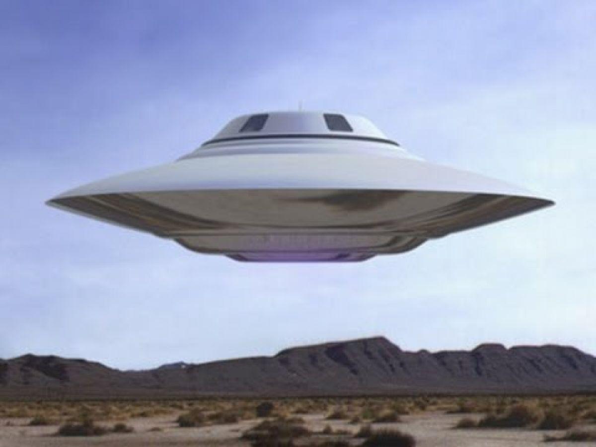 Очень интересный НЛО попал на видео в Аризоне и тут же привлёк уфологов