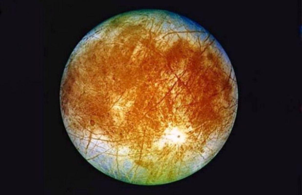 На спутнике Юпитера заметили предполагаемую базу пришельцев, есть фото