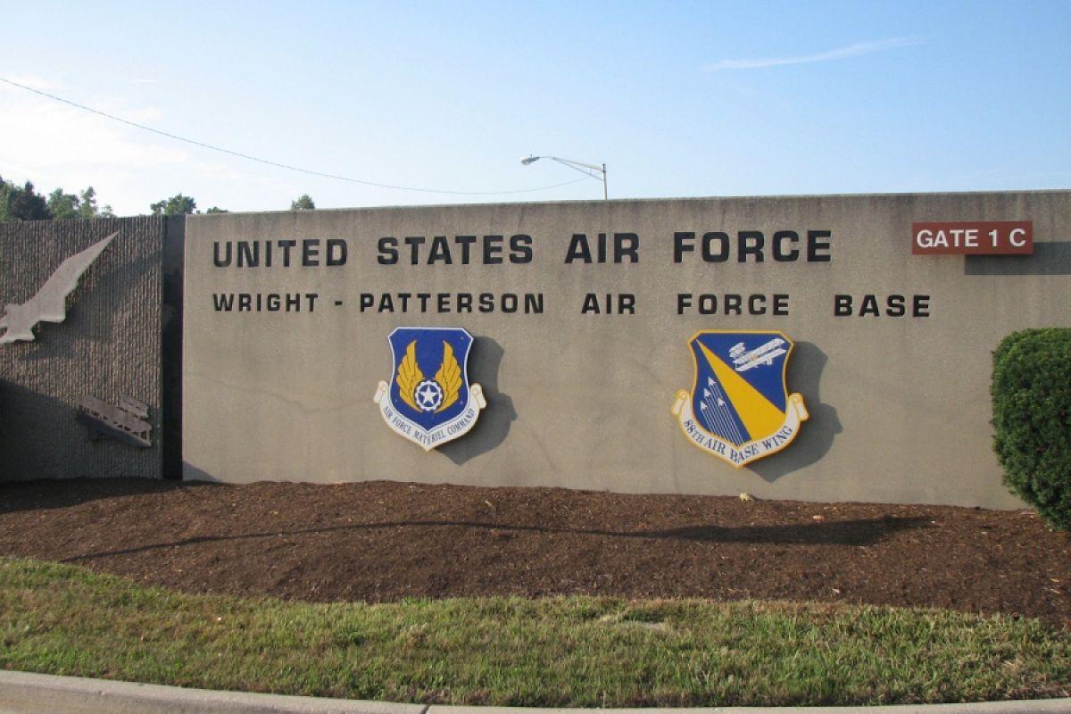 На территории базы ВВС США был застрелен пришелец, в него всадили пять пуль