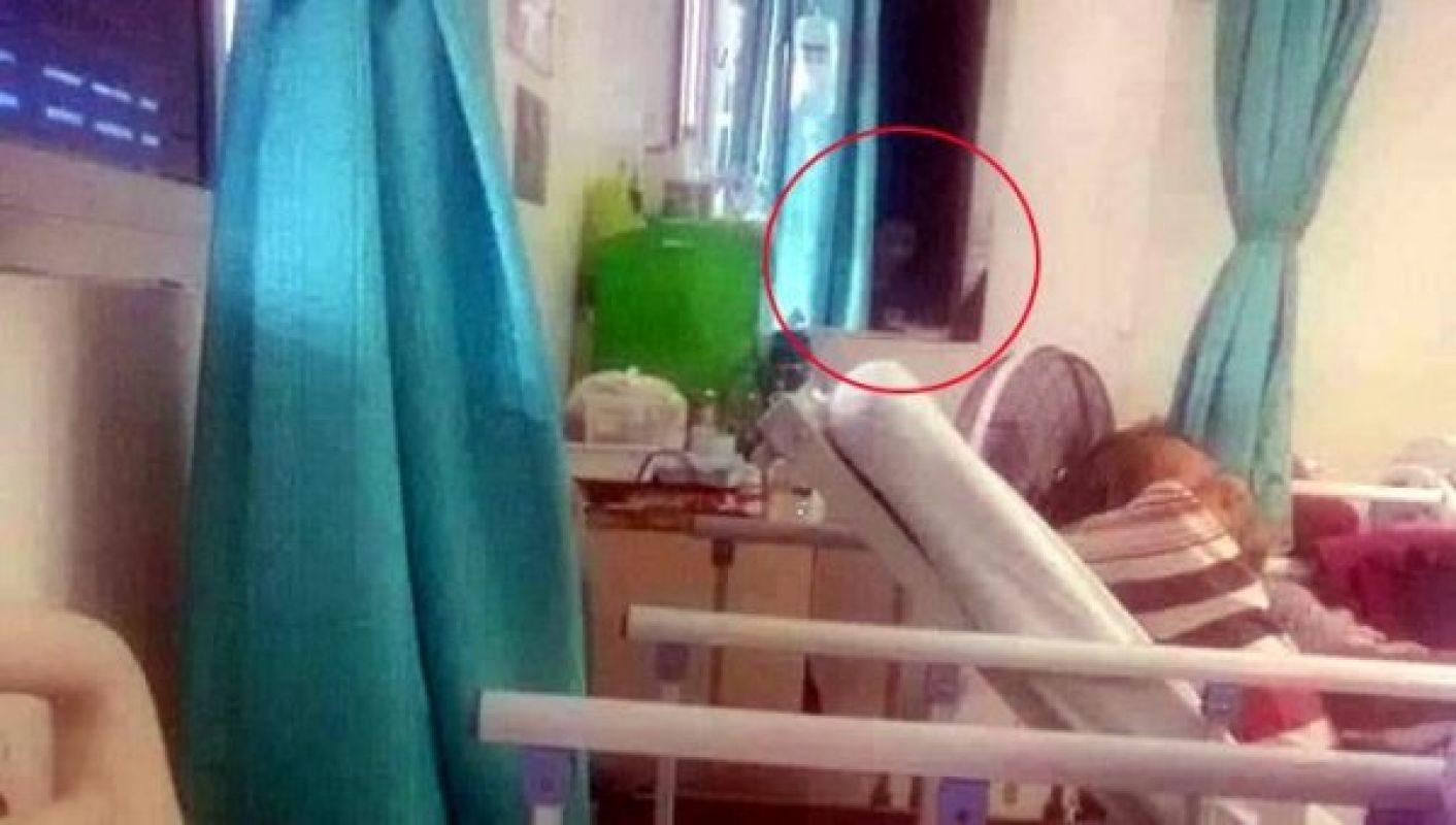 В Бангкоке инопланетянин пришёл в больничную палату, фото