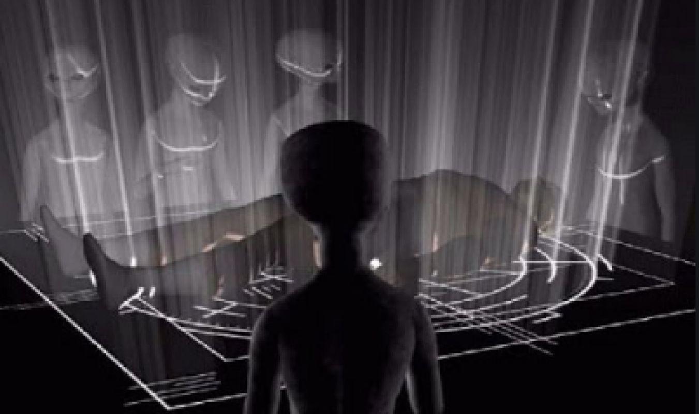 Инопланетяне вживили чипы в тело американки, фото