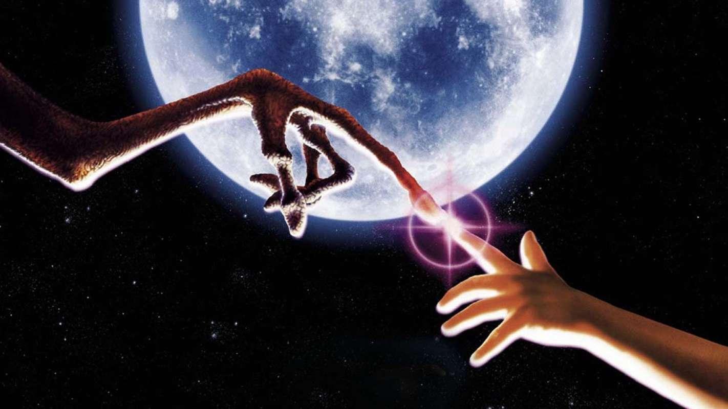 Уфологи привели доказательства того, что инопланетяне и люди являются дальними родственниками