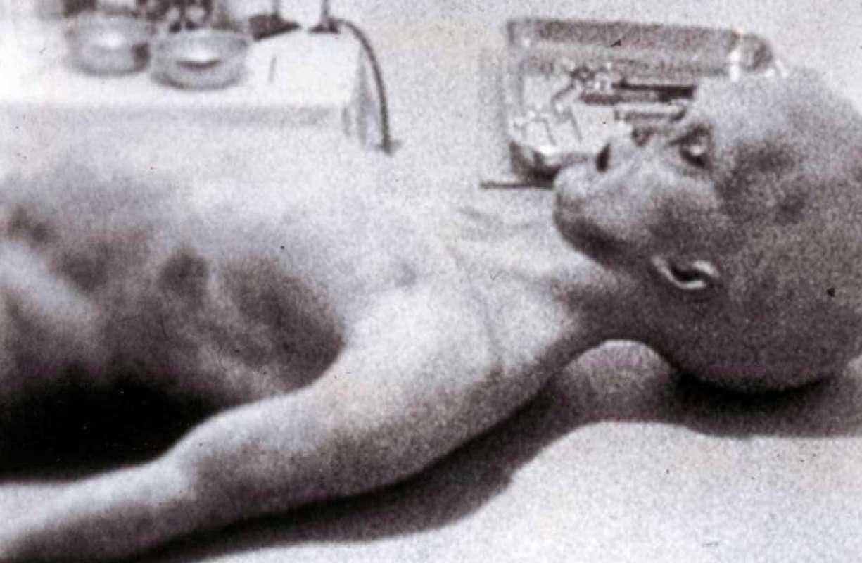 Бывший спецагент ВВС США признался, что в Розуэлле были найдены живые инопланетяне