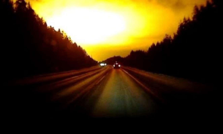 Шокирующая небесная вспышка в Мемфисе попала на видео и удивила интернет