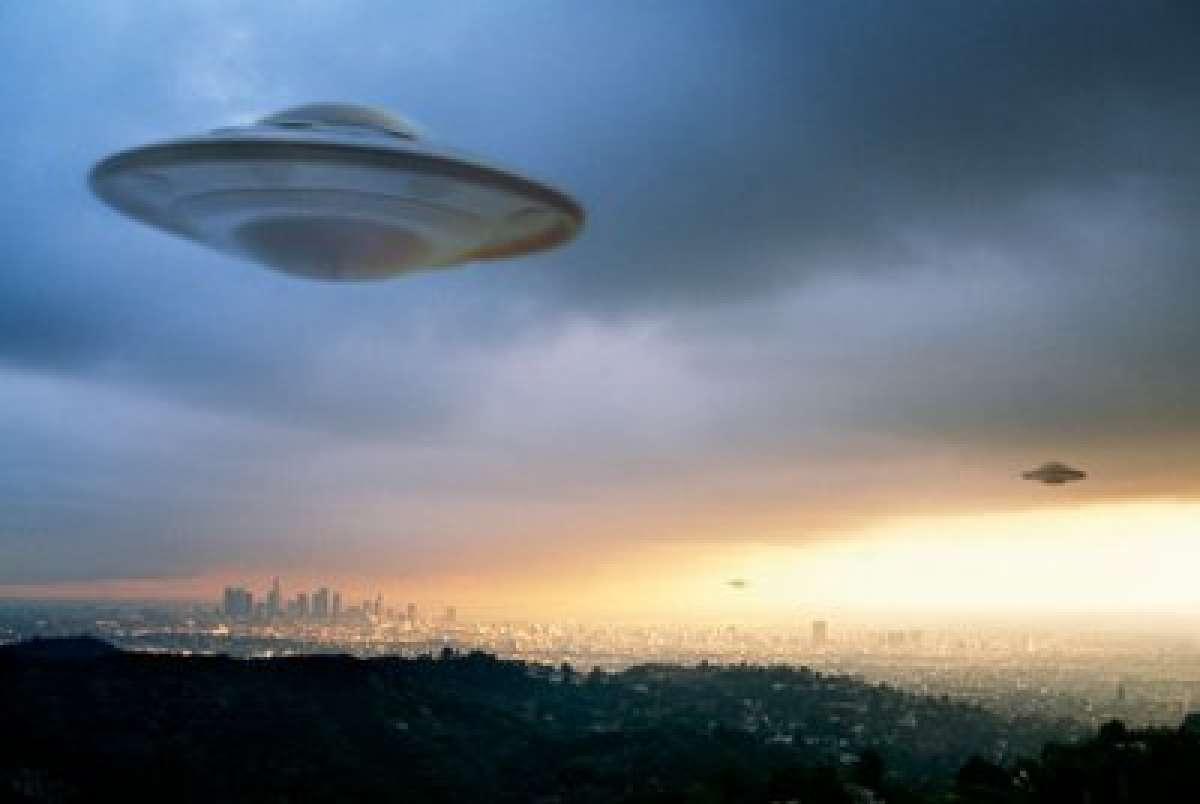 В Мексике НЛО появился совсем низко над Землёй и попал на видео