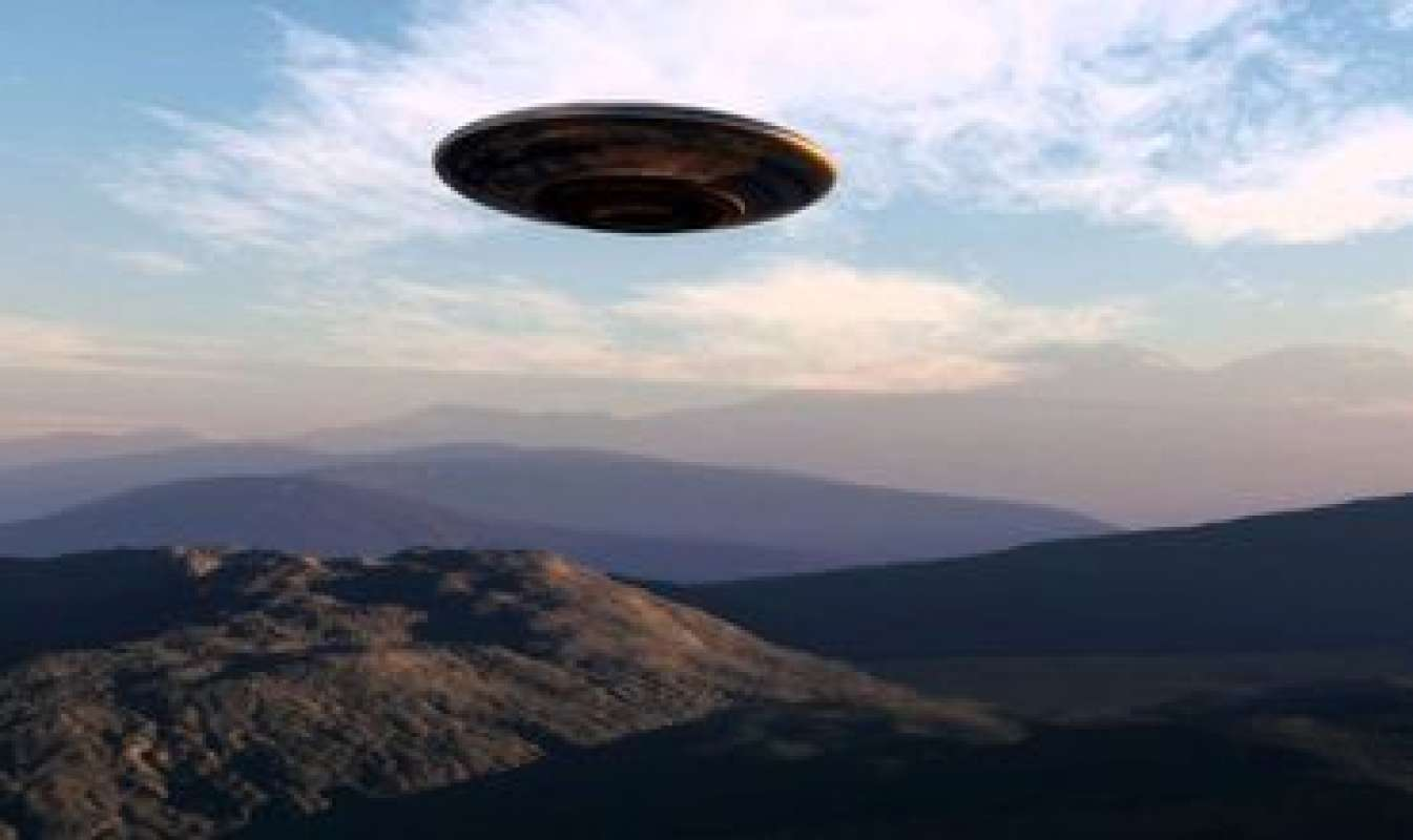 НЛО над горой Адамс попал на видео и привлёк внимание уфологов