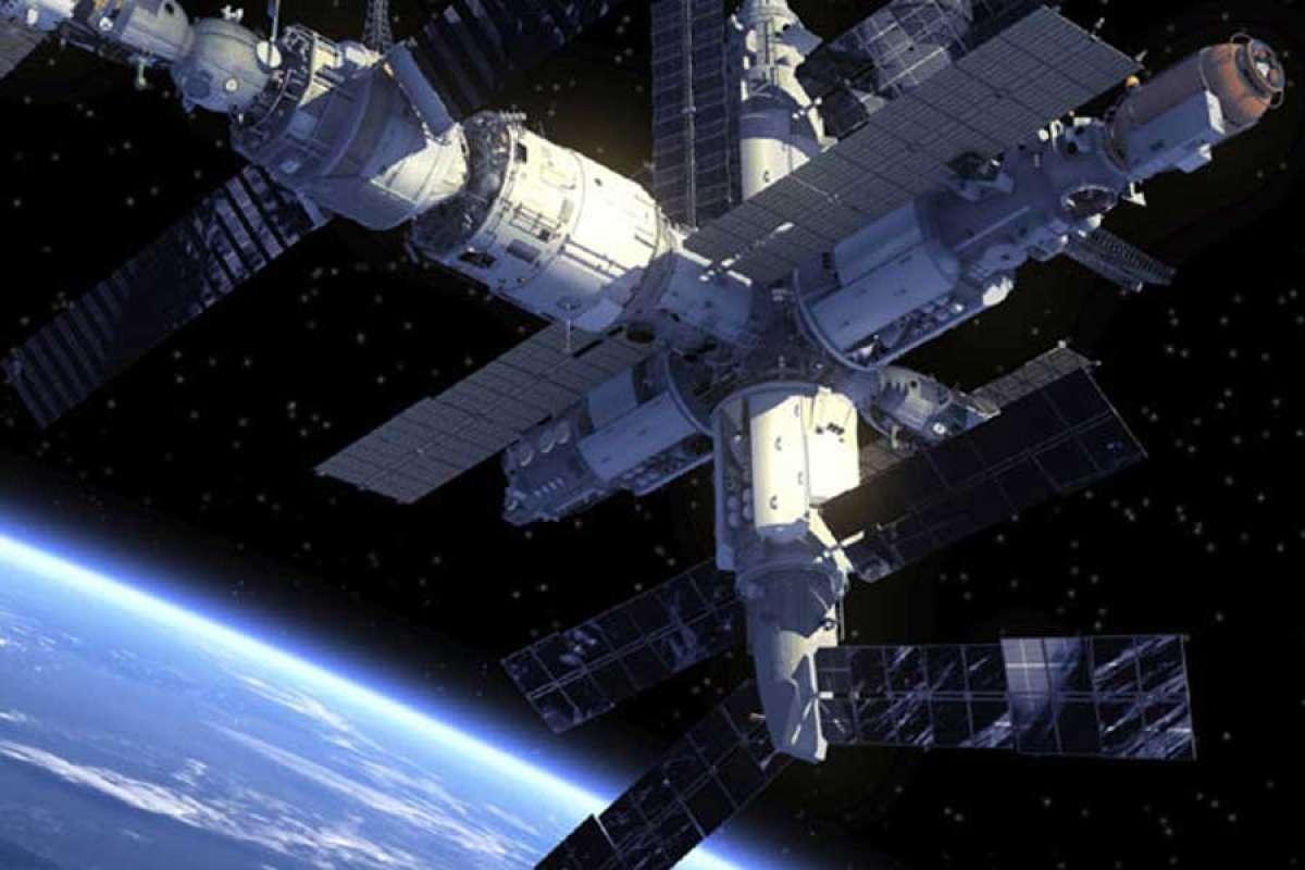 Уфолог уверен, что на днях связь с МКС была потеряна из-за пришельцев, которые её захватили