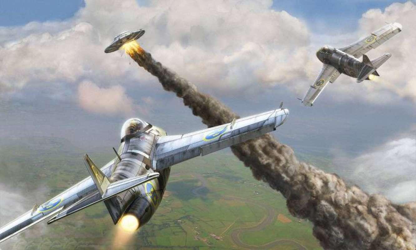 Во время Второй мировой войны британский истребитель обстрелял НЛО