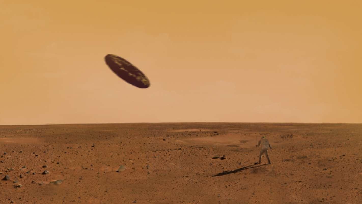 Уфолог показал фото с НЛО удивительной формы на Марсе, рассказав историю его происхождения, и удивил общественность