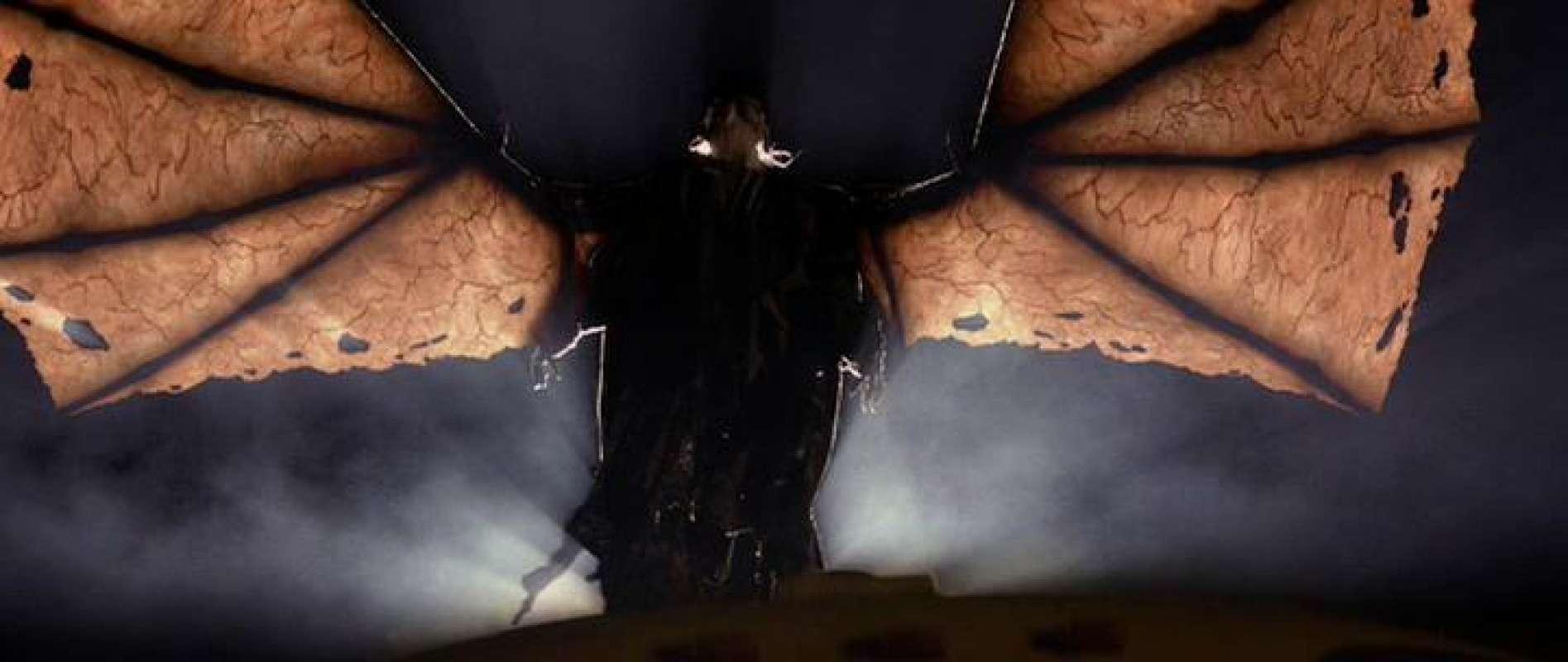 Невероятное видео из США: В Иллинойсе на фоне фонаря пролетело нечто неприятное