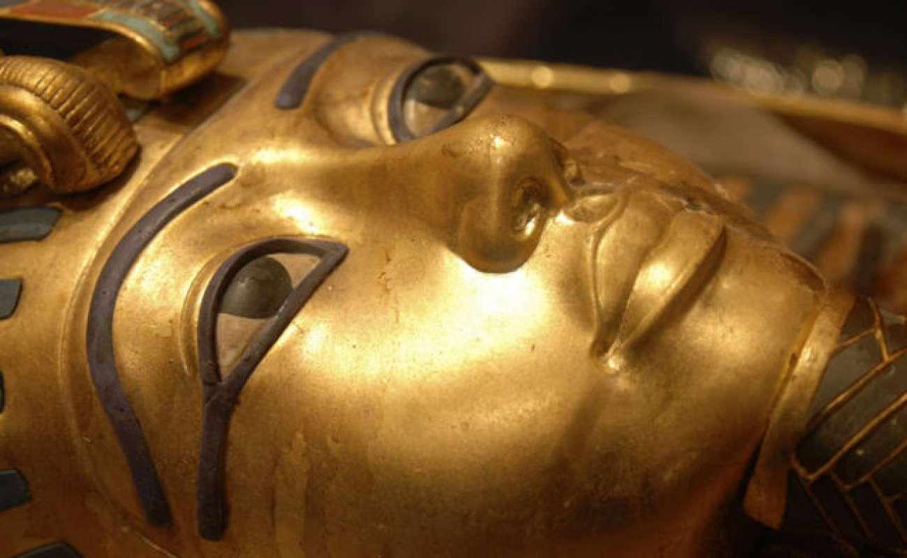 Уфологи хотят понять, как гробница египетского фараона попала на Марс, и она ли это