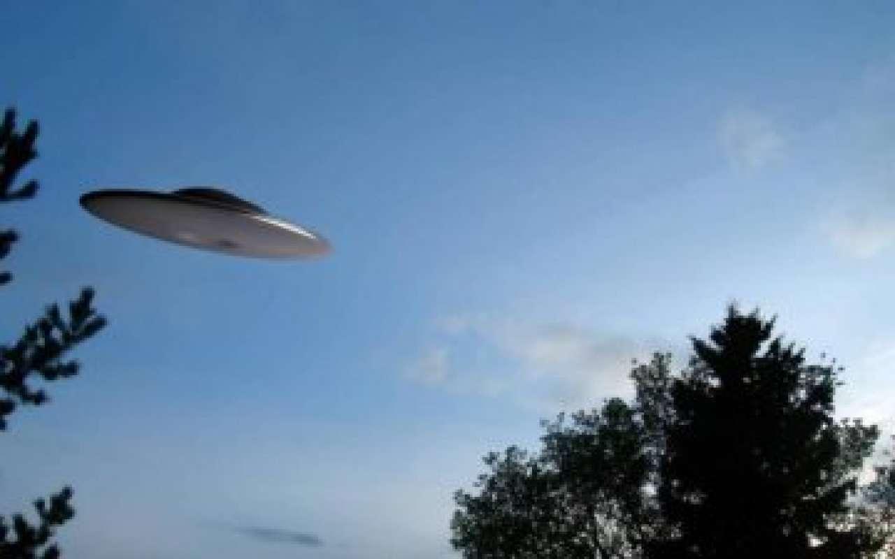 Невероятное видео со светящимся НЛО в Аризоне попало в сеть