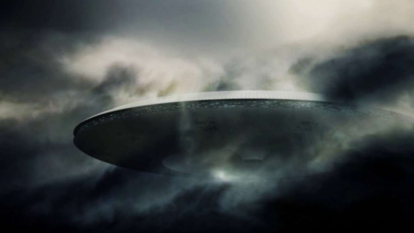Гигантский НЛО, снятый на видео с МКС, поразил сеть