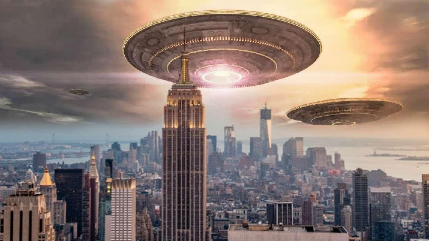 Видео с НЛО в Нью-Йорке появилось в сети и шокировало её пользователей