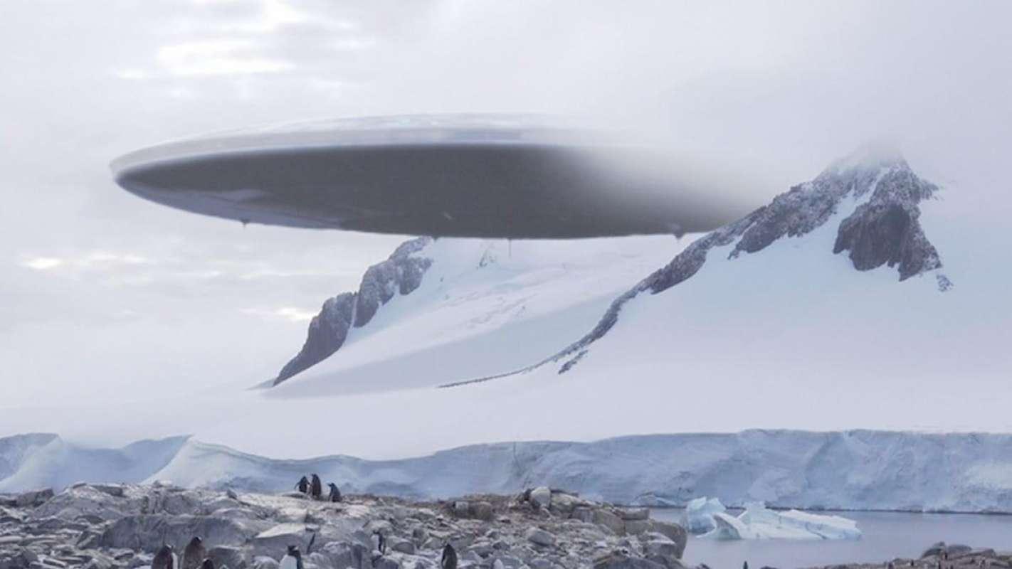 НЛО рухнул в Антарктиде, есть фото