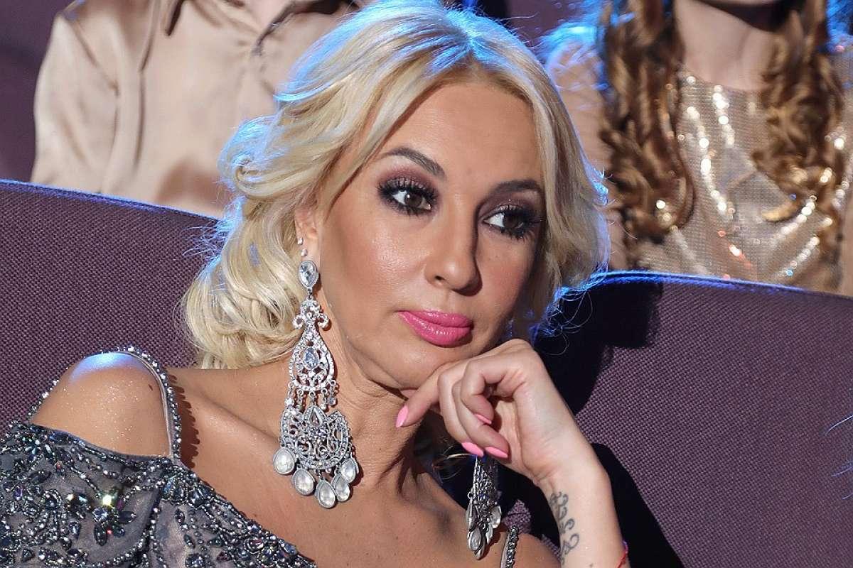 Лера Кудрявцева сняла НЛО на видео