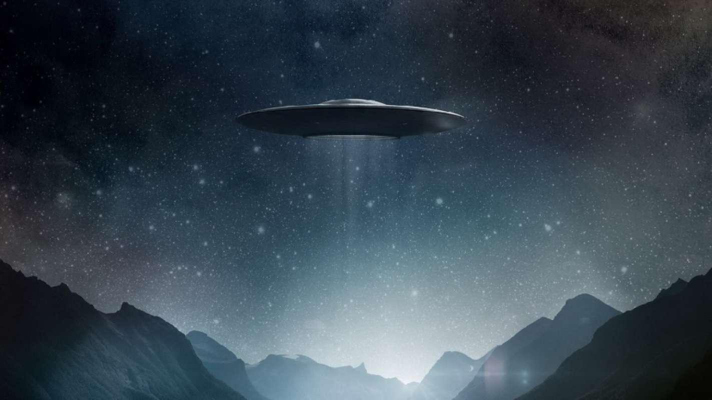 Уфолог прокомментировал видео НЛО на Канарских островах и признался, что давно не видел подобного
