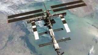 Международной космической станции угрожает космический мусор