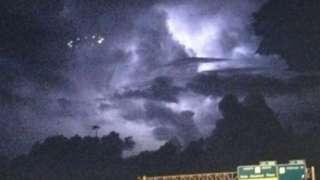 Очевидцами было заснято НЛО над городом Хьюстон