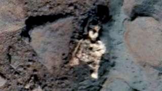 В интернет выложили свежие фотографии с Марса, на которых запечатлены останки гуманоида