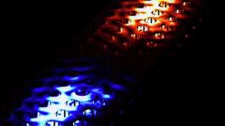 Ученым-физикам удалось заставить свет перемещаться в нужном им направлении