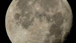 НАСА опубликовало фотографии МСК на фоне нашего спутника – Луны