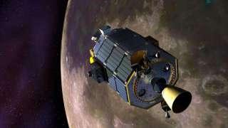 Спутник NASA LADEE упал на лунную поверхность