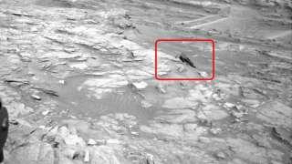 Новые фотографии Марса демонстрируют обломки космического аппарата