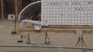 НАСА нещадно разбивает новые самолеты, чтобы усовершенствовать их системы безопасности