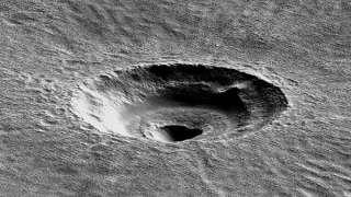 На поверхности Марса нашли воронку неизвестного происхождения