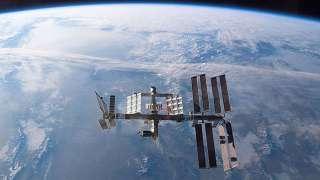 Космостанция успешно увернулась от космического мусора