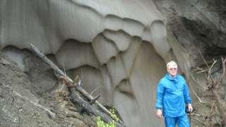 Анатолий Брушков намерен испытать на себе влияние древней бактерии