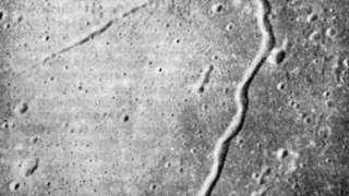 Трещины на Луне создает гравитация Земли