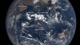 Космический аппарат «DSCOVR» заметил потенциальные циклоны
