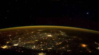 Астронавты NASA сфотографировали НЛО