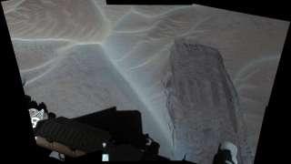 «Curiosity» прислал первые высококачественные фотографии марсианских песчаных дюн