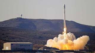 Ракетный носитель «Falcon 9» должна была отправиться в космос 20.12.15